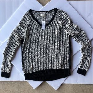 Lou & Grey cream and black loose weave sweater M